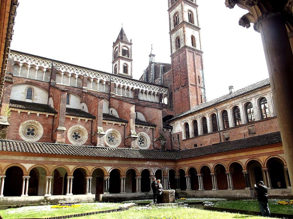 De basiliek van Sant'Andrea in Vercelli (Foto: Panoramio)