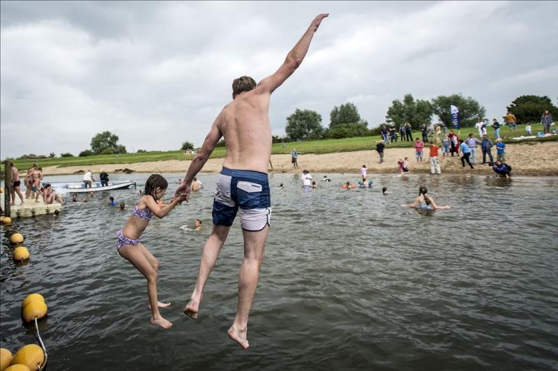 Zwemwater weer schoner geworden