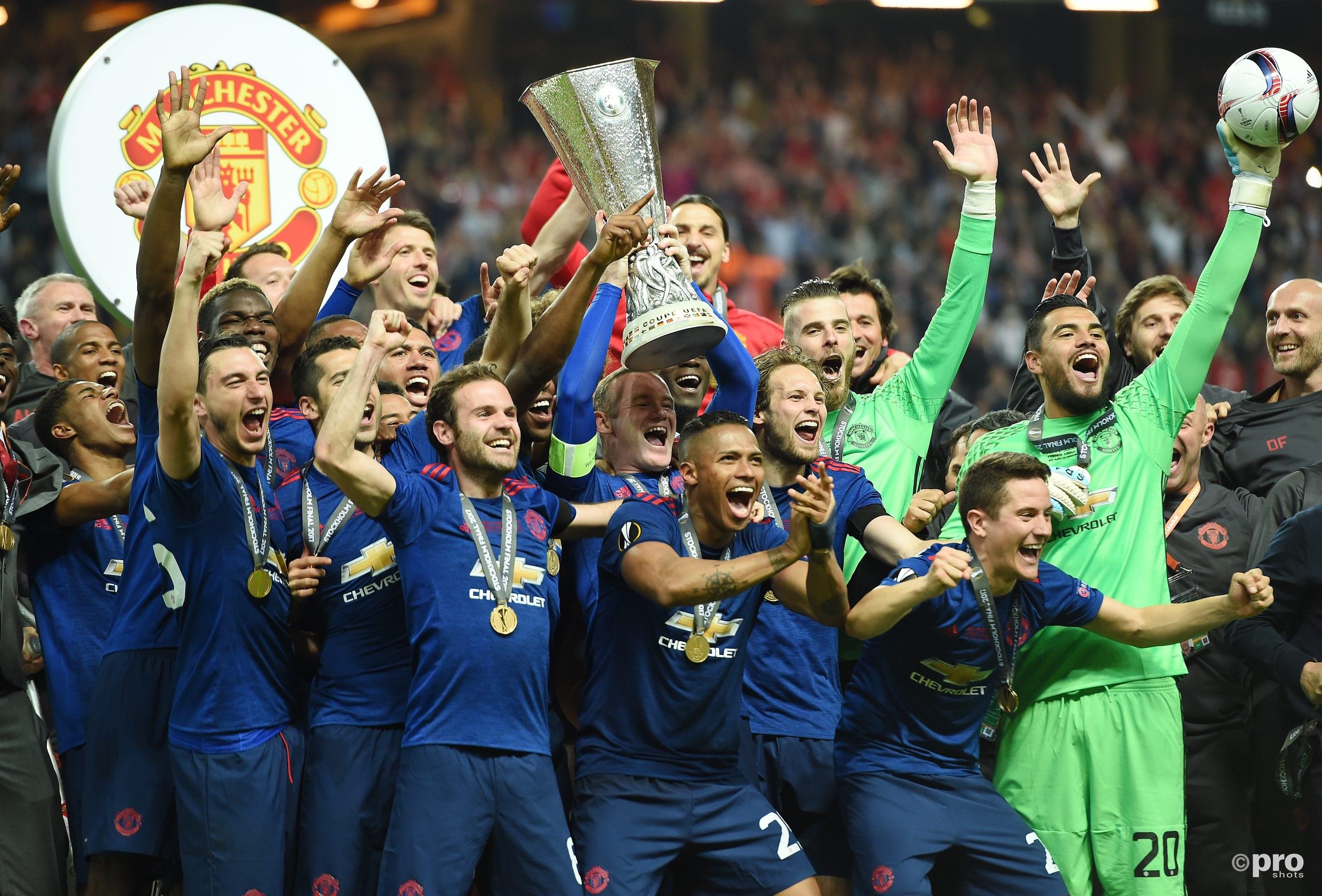 Manchester United met de trofee (Pro Shot/Witters)