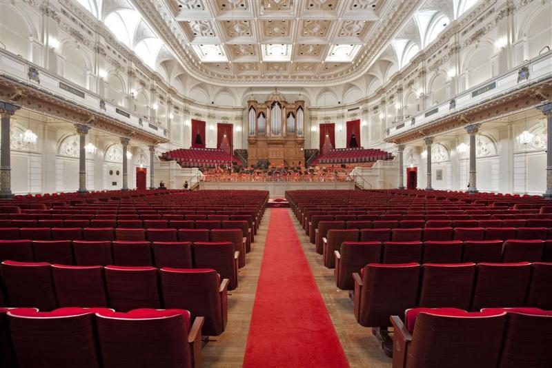 Concertgebouw zucht onder techno