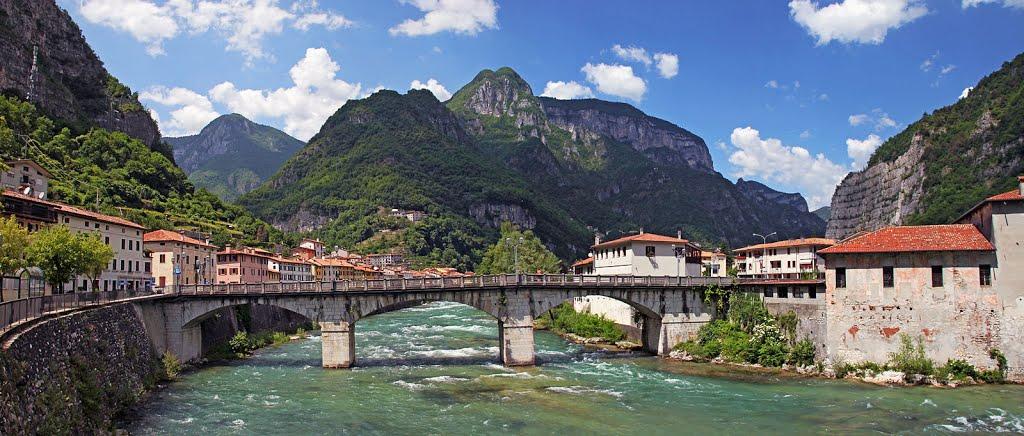 We rijden even door de mooie vallei van de Brenta (Foto: Panoramio)