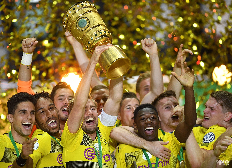 Dortmund mag eindelijk de beker omhoog houden. (PRO SHOTS/Witters)