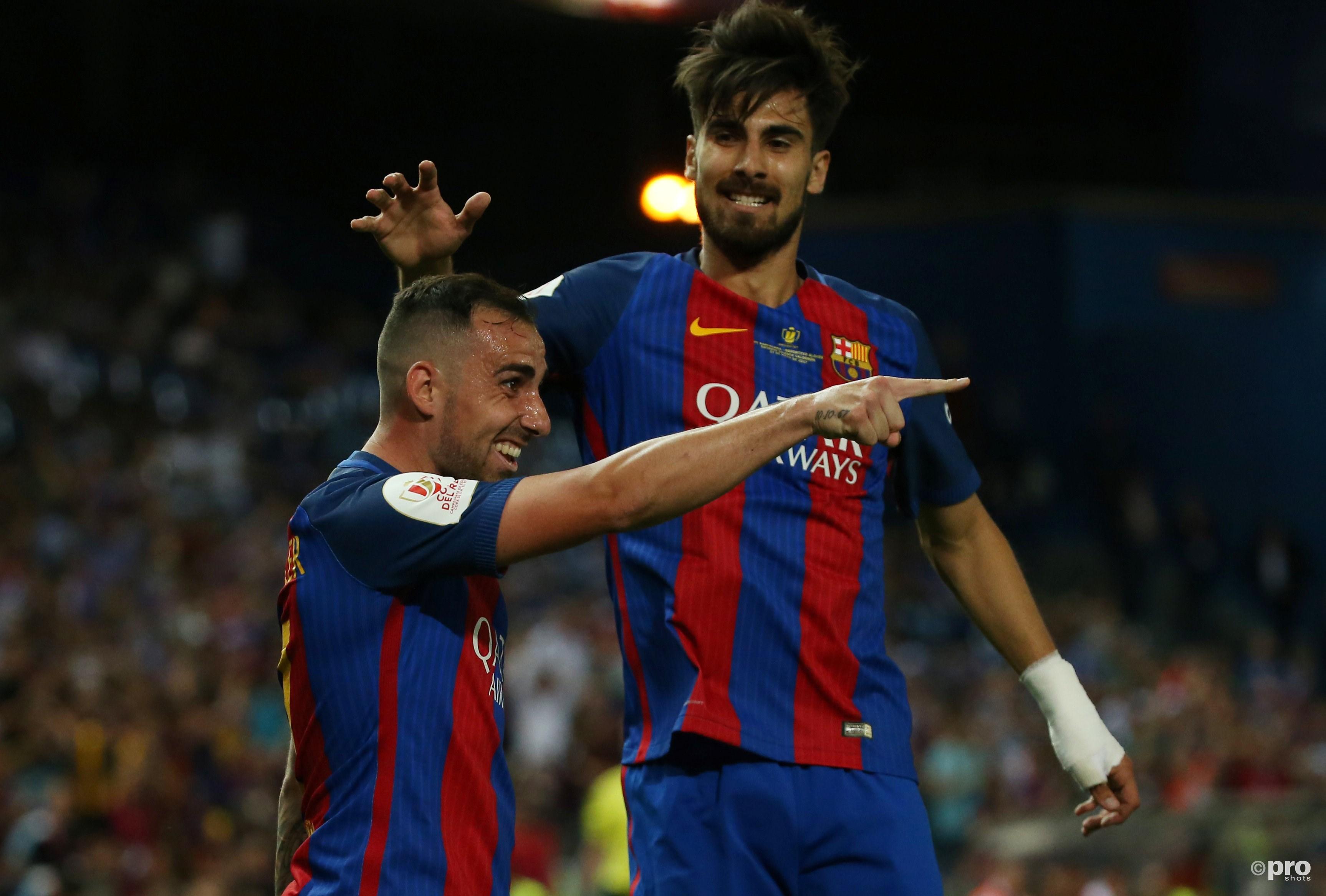 Paco Alcácer viert het derde doelpunt met Andre Gomes. (PRO SHOTS/Action Images)