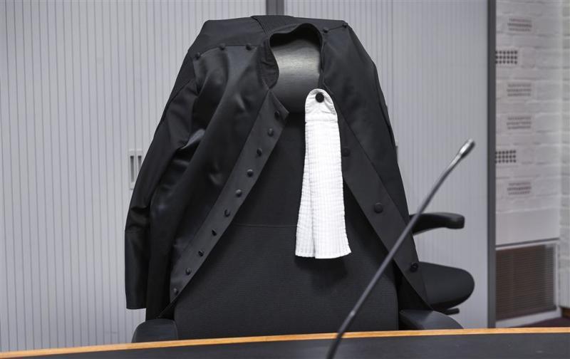 4,5 jaar cel voor mishandelen stiefdochter