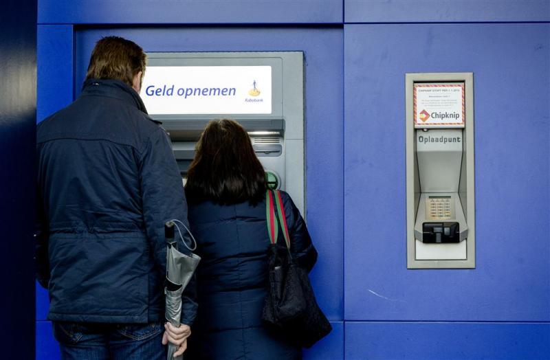 Banken onderzoeken samenwerking geldautomaten