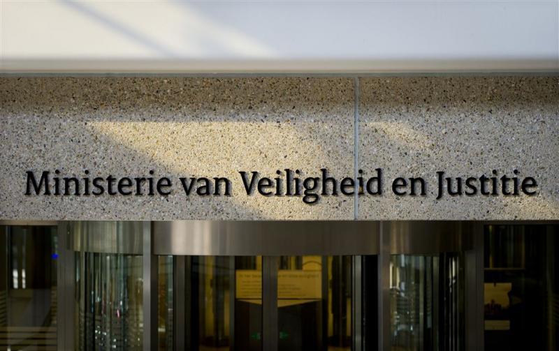 Topambtenaar:ministerie V & J niet opsplitsen