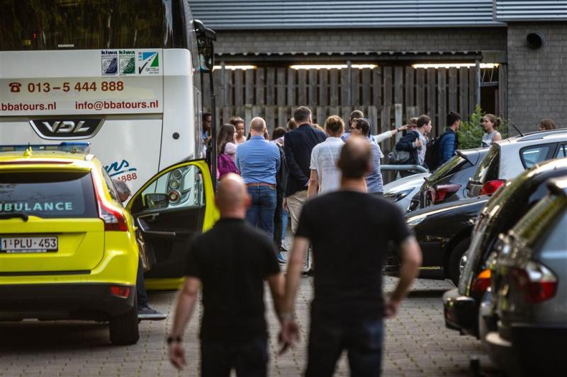 Scholieren na busongeluk terug in Nederland