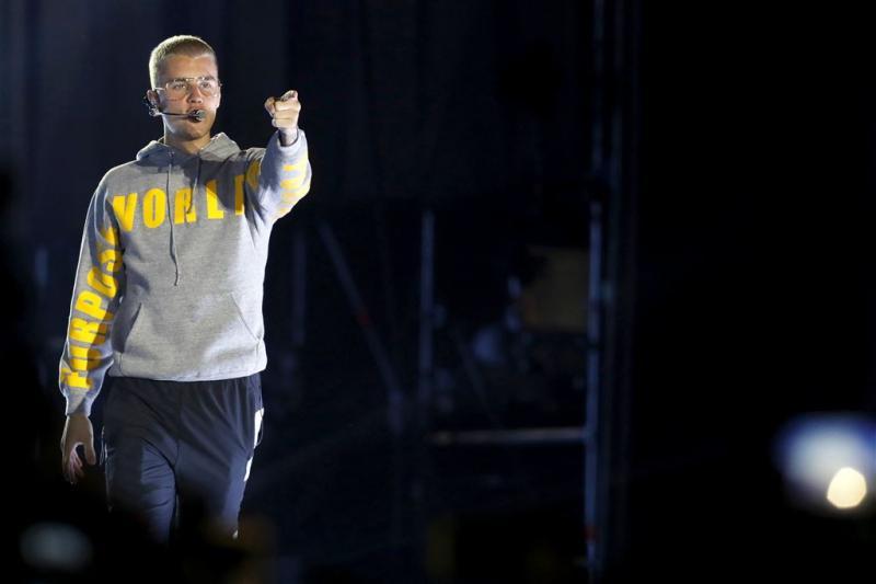Bieber en Kensington op openingsdag Pinkpop