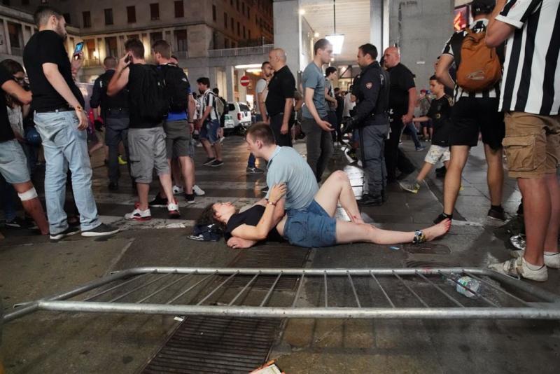 'Honderden gewond na paniek in Turijn'