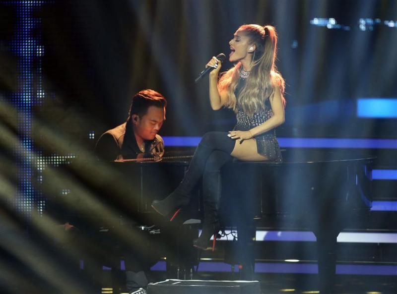 Ariana brengt single weer uit voor Manchester