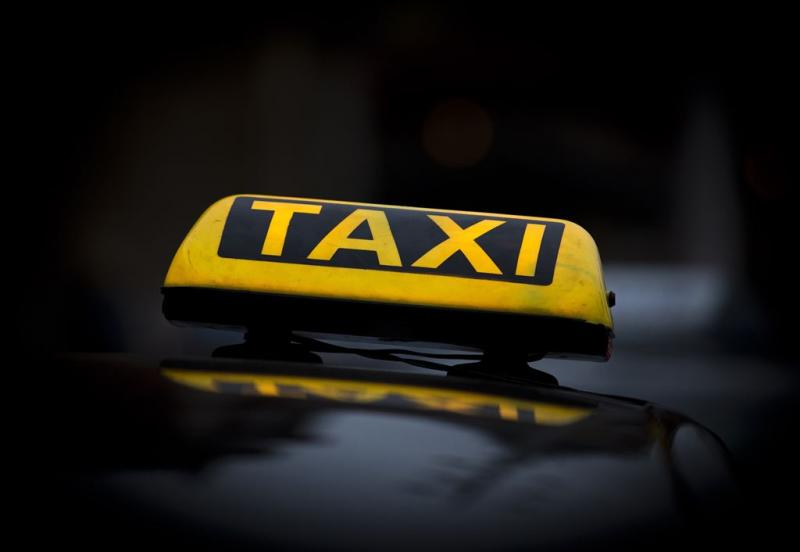 Masturberende taxichauffeur belaagd
