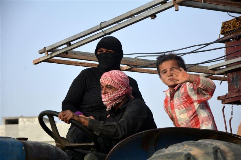 Raqqa wordt van drie kanten aangevallen