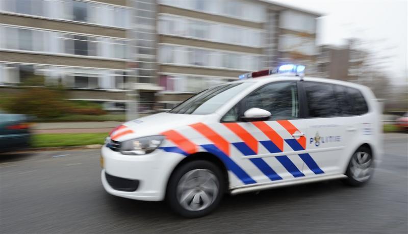 Politie zoekt belagers 'masturberende' man