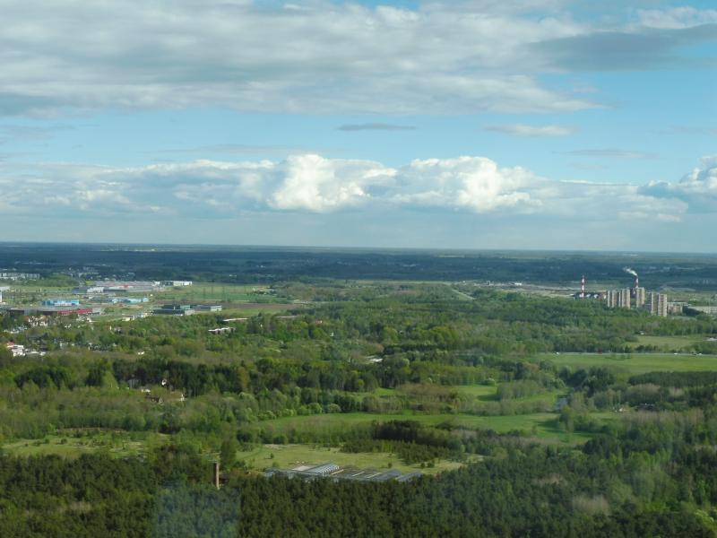 Vorige week stond ik op de TV-toren van Tallinn (Estland). Zo ziet dat eruit van 180 meter hoog.  (Foto: qltel)