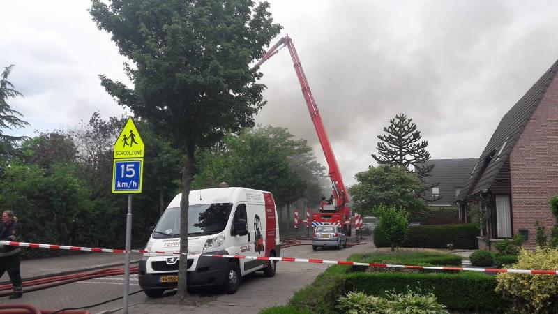 Brand in school aan Mainelaan (Eindhoven) (Foto: Webhawk)