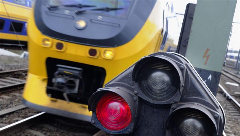 Jongen (18) overleden na aanrijding met trein