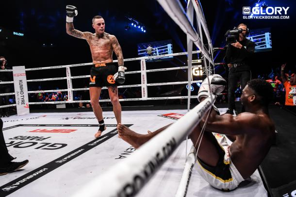Glory42_Holzken2 (Foto: James Law/Glory)