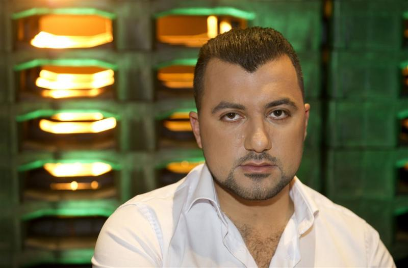 Özcan Akyol bedreigd om documentairereeks