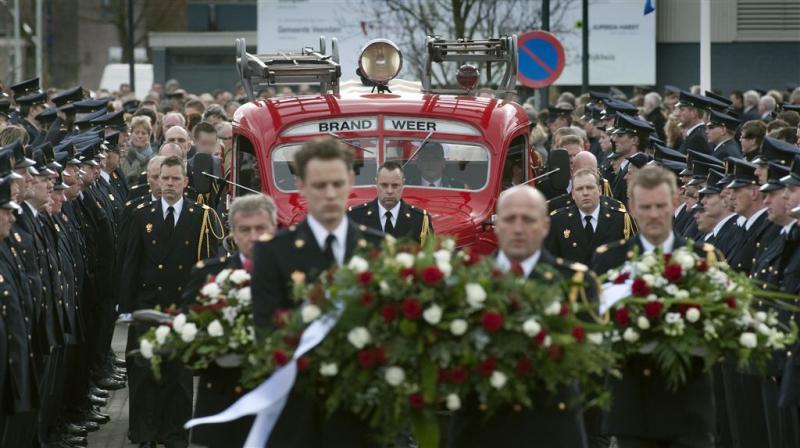Brandweermensen herdenken omgekomen collega's