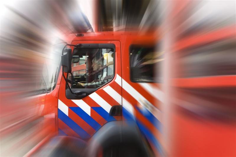 Vader en kinderen naar ziekenhuis door brand