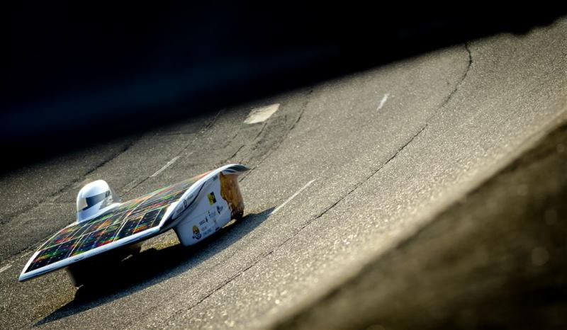 Zonneracewagen Nuon pakt wereldrecord