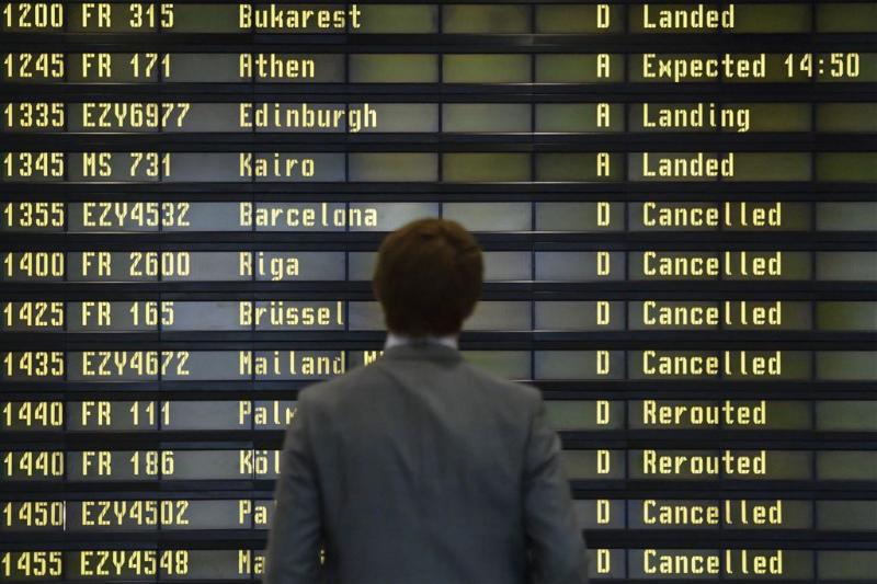 Reizigers massaal vast op vliegvelden Berlijn