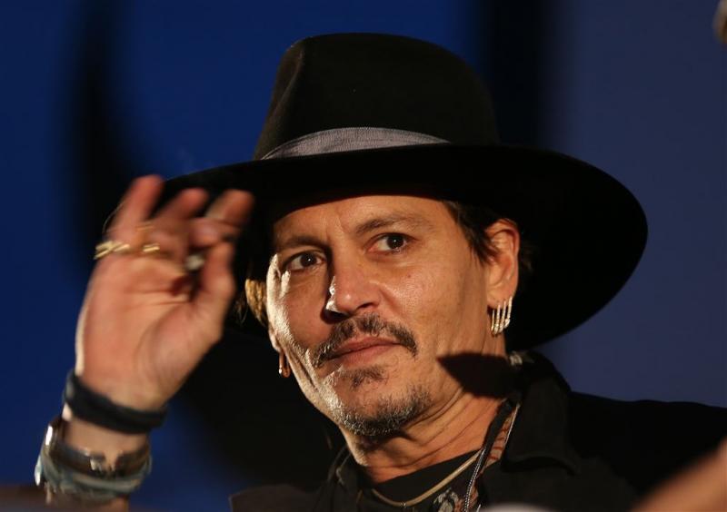 Johnny Depp grapt over aanslag op Trump