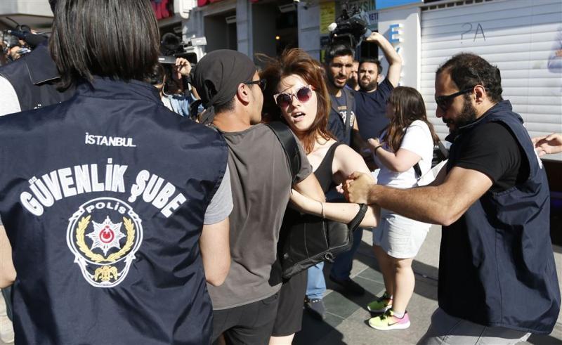 Cameraman Bram Janssen in Istanbul opgepakt