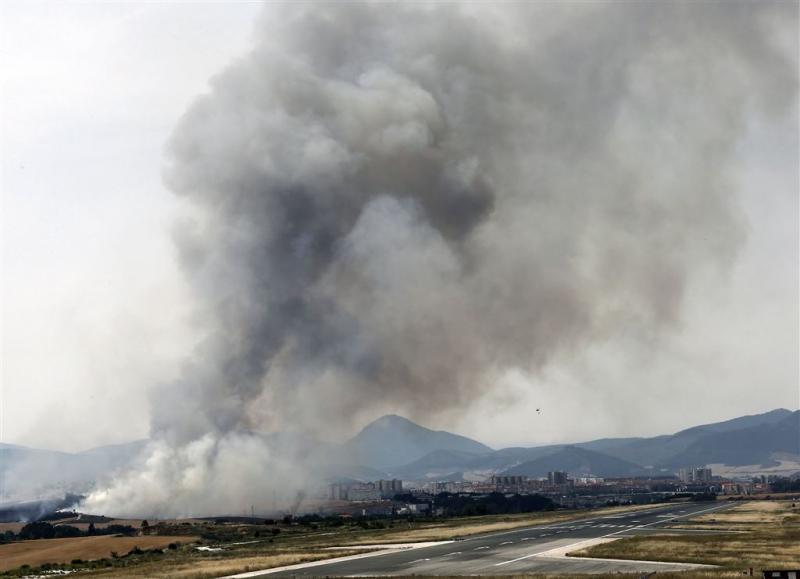 Toeristen geëvacueerd door bosbrand Spanje