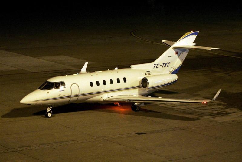 Prijs occasion privévliegtuigen gekelderd