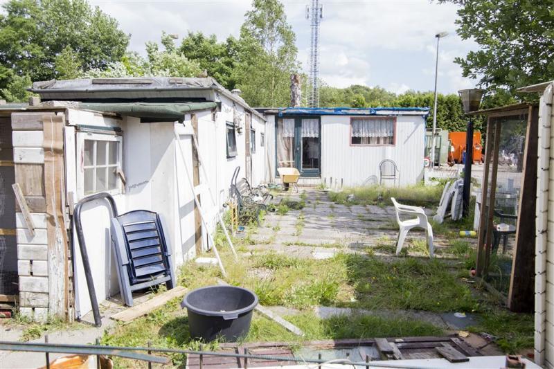Eigenaar camping Fort Oranje naar de rechter