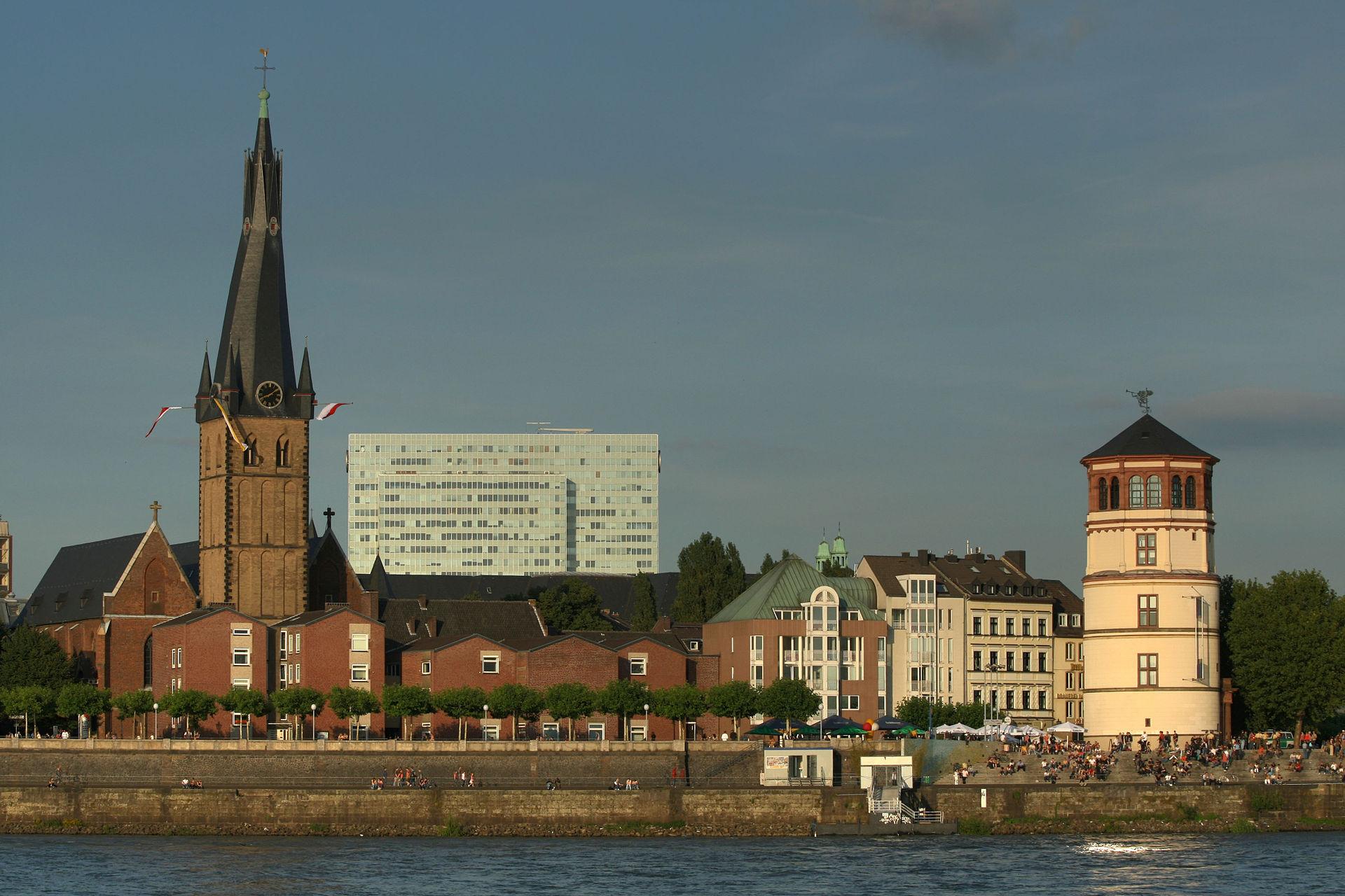 De Sint Lambertus-kerk in Düsseldorf (Foto: WikiCommons/Till Niermann)