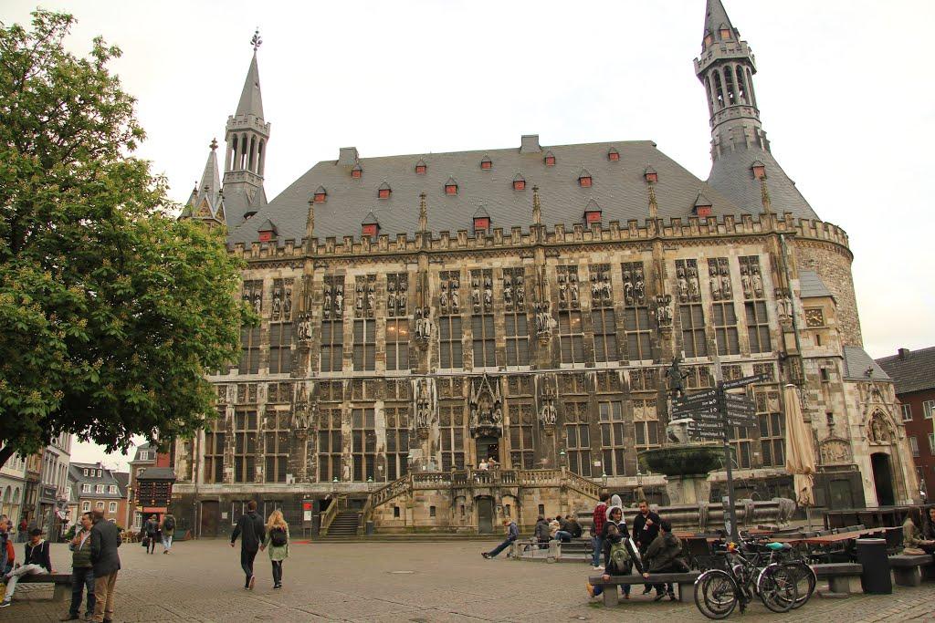 We werpen een blik op Aachen vandaag (Foto: Panoramio)