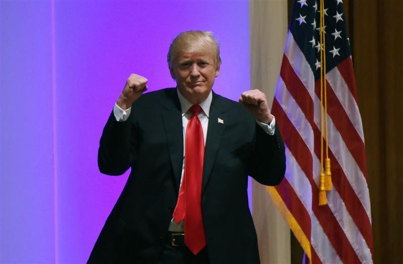 Trump in vechtvideo op de vuist met CNN