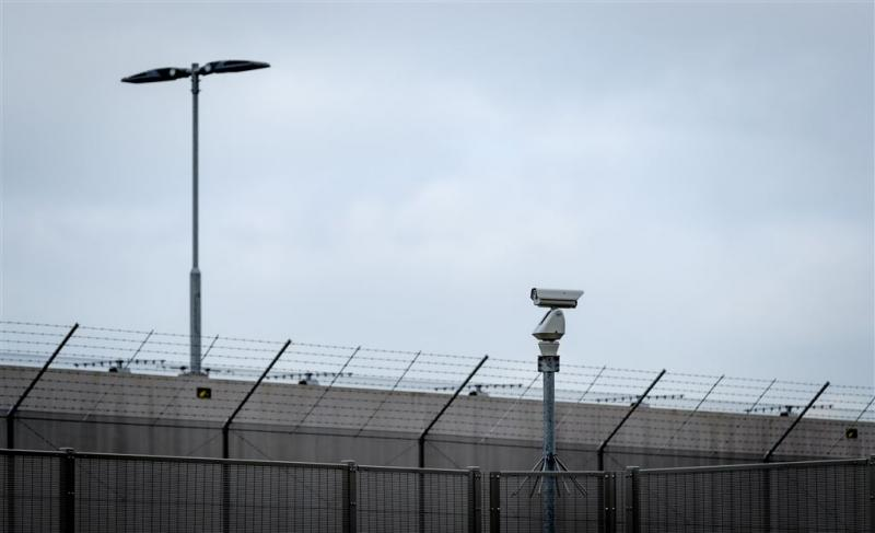 Vrouw zet baby in voor smokkelwaar gevangenis