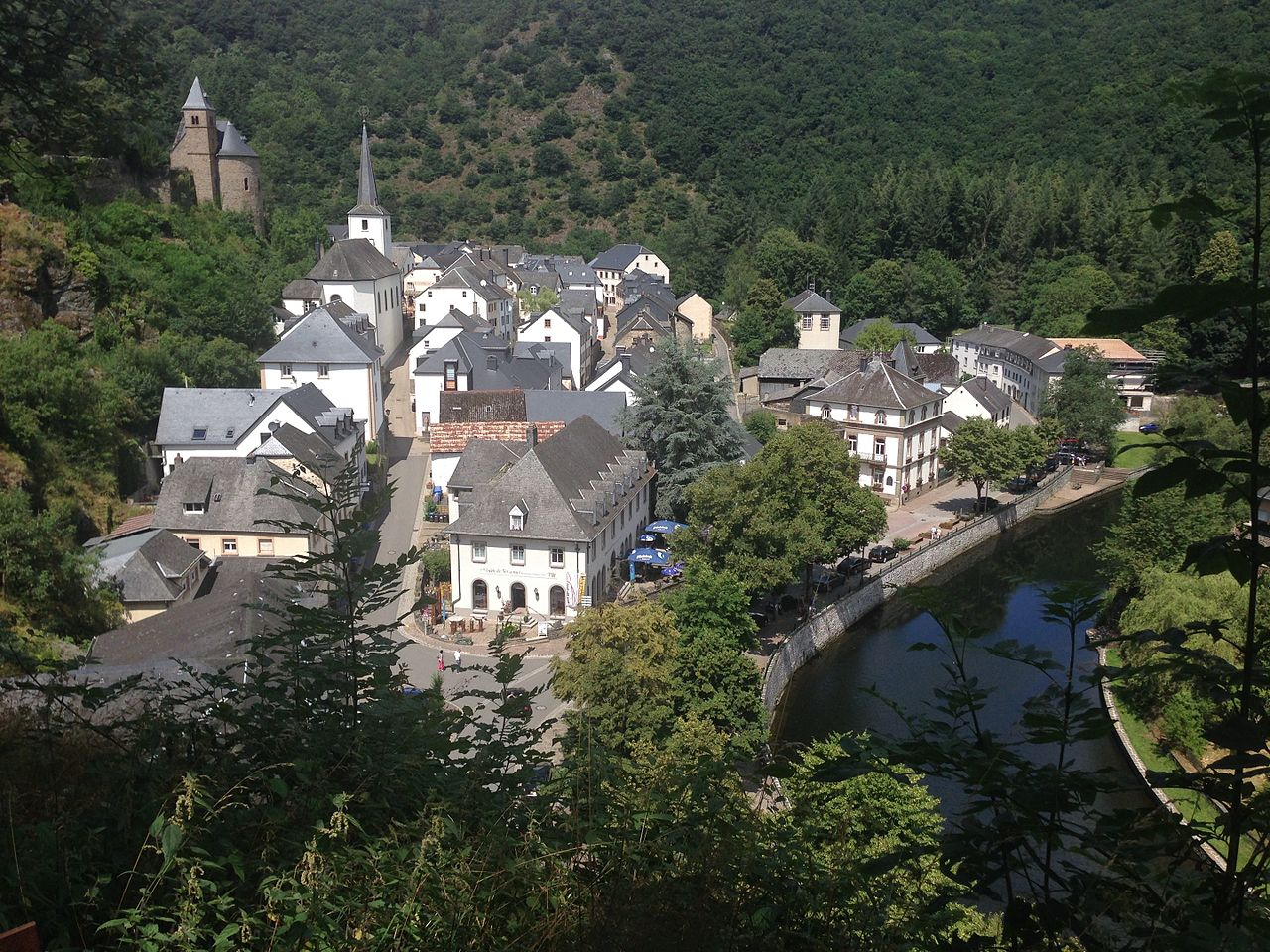 Het lieflijke Esch-sur-Sûre (Foto: WikiCommons)