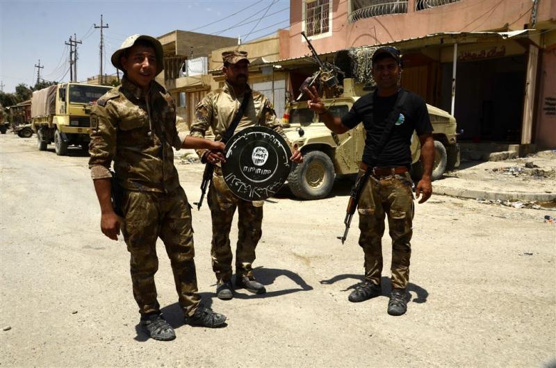 Terrorist in vrouwenkleren doodt Irakezen