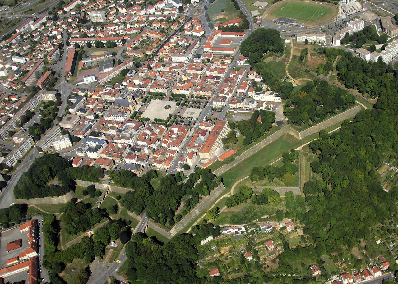 Longwy biedt ook vanuit de lucht wat moois (Foto: Panoramio)