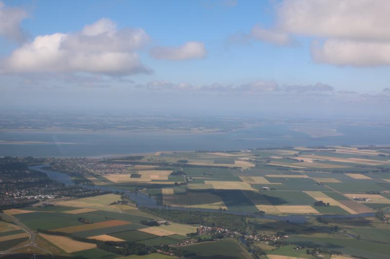Zeeuws-Vlaanderen vanuit een zweefvliegtuig vanaf zo'n 1000 meter hoog (Foto: Paulus-de-crosskabouter)