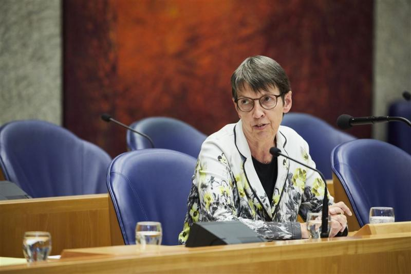 Kamer wil landelijk schuldhulpnummer