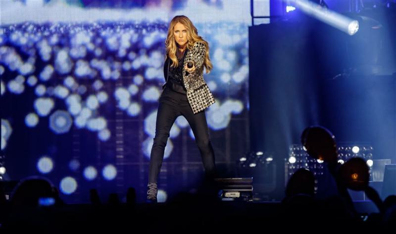 Céline Dion trekt kleren uit voor Vogue