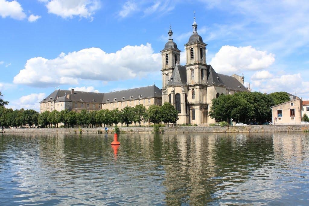 De abdij van Pont-a-Mousson (Foto: Panoramio)