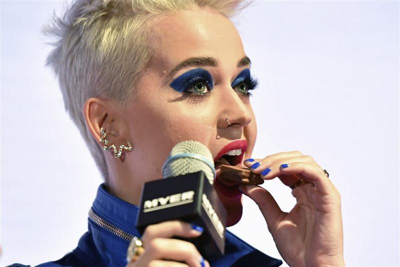 Warenhuis wijzigt omstreden spotje Katy Perry