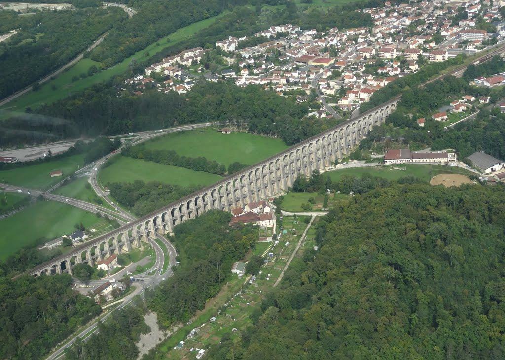Het mooie viaduct van Chaumont (Foto: Panoramio)