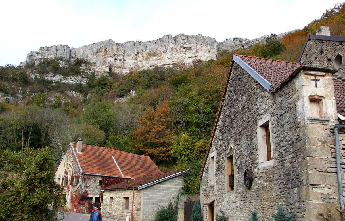 Mooie rotsen bij Baulme-la-Roche (Foto: WikiCommons)
