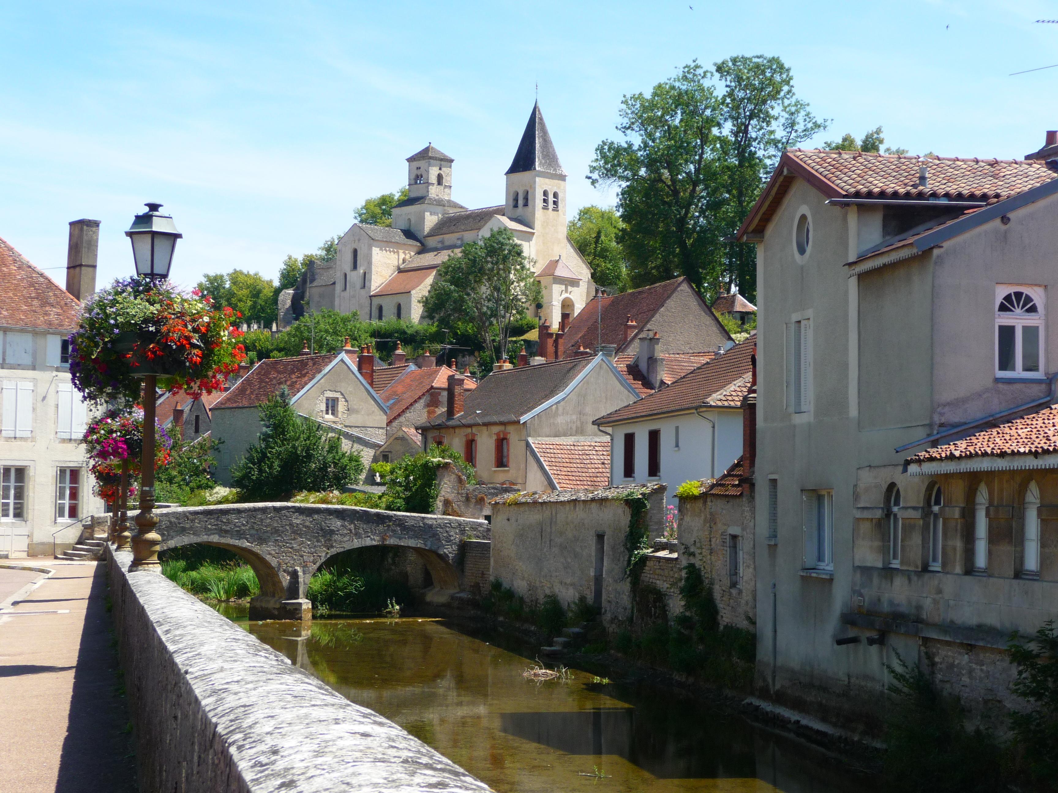 Saint-Marc-sur-Seine, eindelijk wat leuks onderweg (Foto: Panoramio)