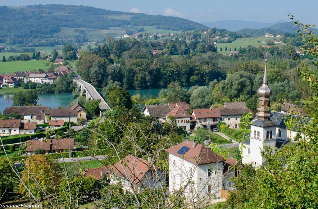Lucey, een leuk dorpje (Foto: Panoramio)