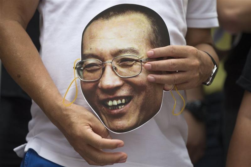 Zieke Nobelprijswinnaar Liu wil China verlaten