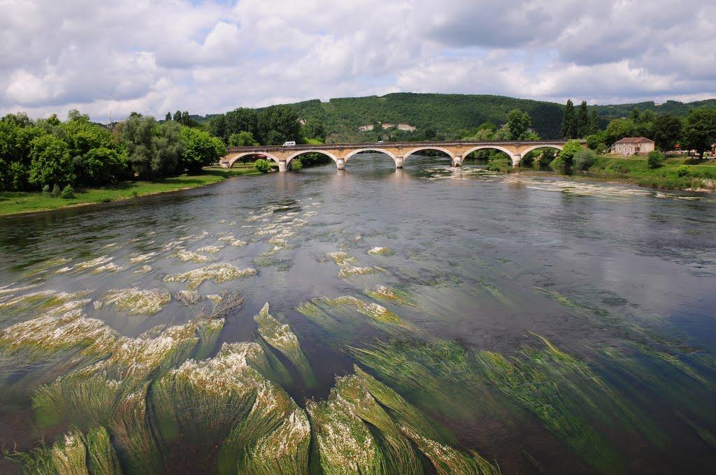 Naast mooie kastelen zijn er ook mooie bruggen hier (Foto: Panoramio)