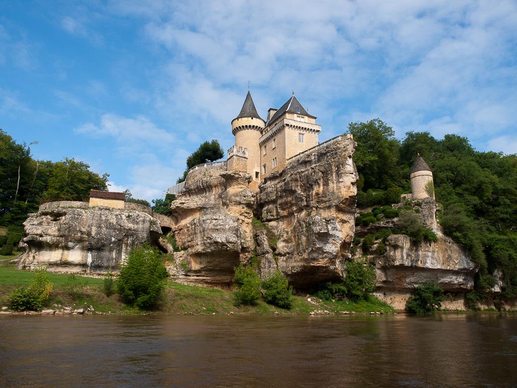 Het mooi gelegen Château de Belcayre (Foto: Panoramio)